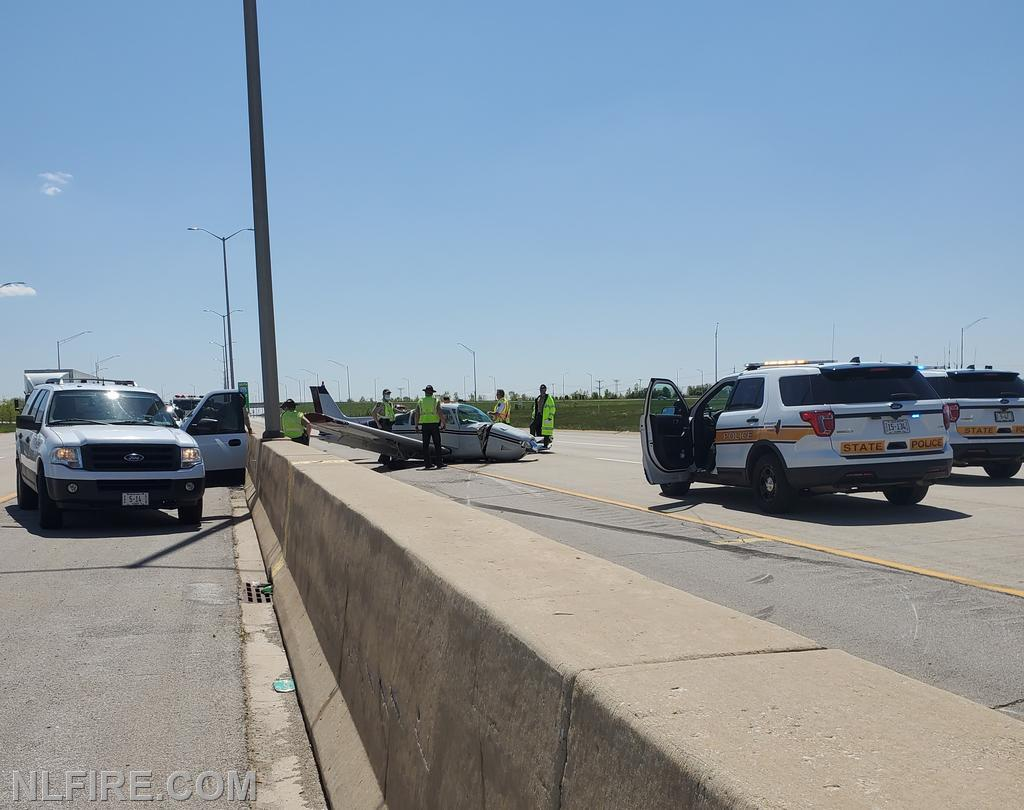 Small plane makes emergency landing on I-355, north of Rt. 6.